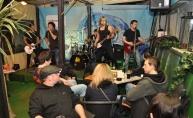 Svirka u živo demo bendova i luda zabava u Nad Urom